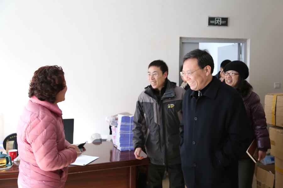 即墨市人大常委会副主任刘守君走访慰问青岛国际服装产业城