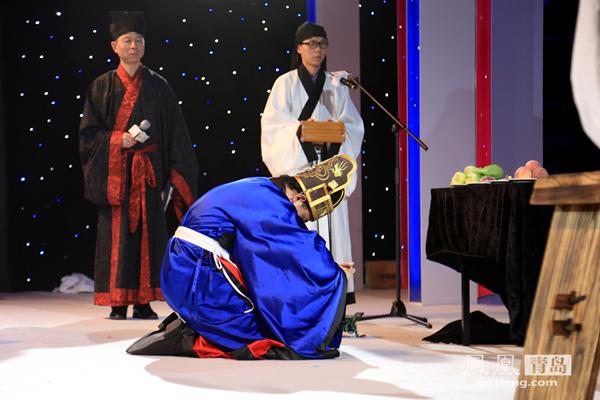 """青岛国际服装产业城 """"汉服文化节""""节目纷呈"""